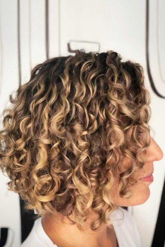 A-line Curly Bob #curlybob #haircuts #bobhaircuts #layeredbob #shortbob