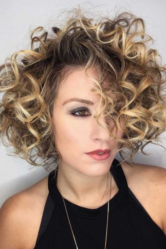 Short Layered Bob #curlybob #haircuts #bobhaircuts #layeredbob #shortbob