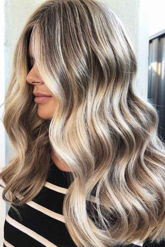 Multidimensional Dirty Blonde Hair #blondehair #highlights #wavyhair
