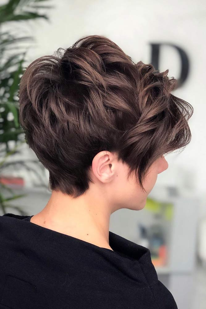 Brown Pixie Cut #featheredhair #featheredhaircuts #haircuts
