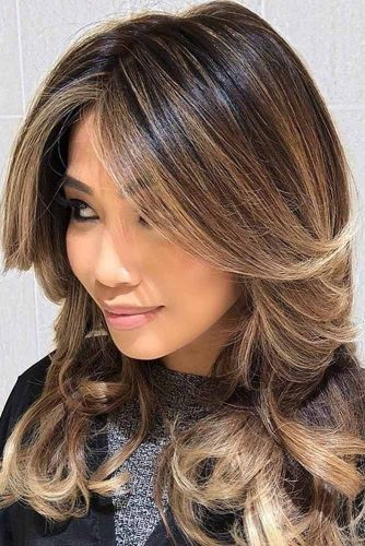 Middle Parted Haircut With Feathered Bangs #featheredhair #featheredhaircuts #haircuts #longhair