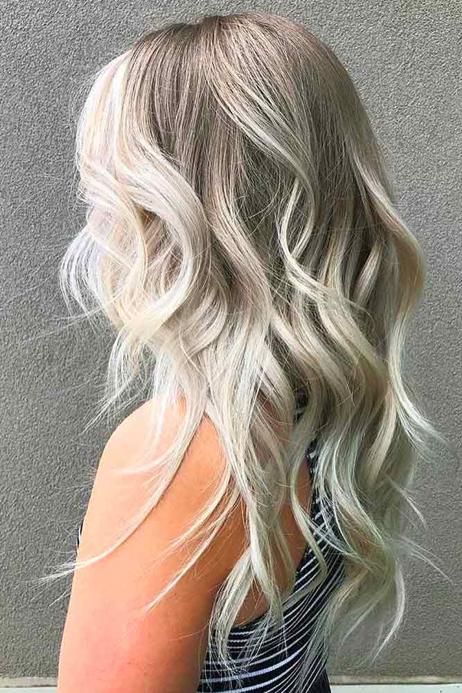 What Is The Difference Between A Feathered Haircut And A Layered Haircut #featheredhair #featheredhaircuts #haircuts #longhair #wavyhair