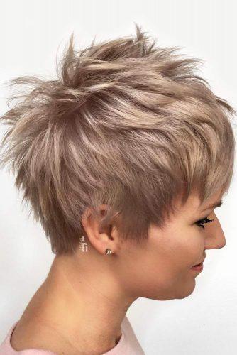 Short Edgy Pixie Cut #featheredhair #featheredhaircuts #haircuts #shorthair #pixiecut