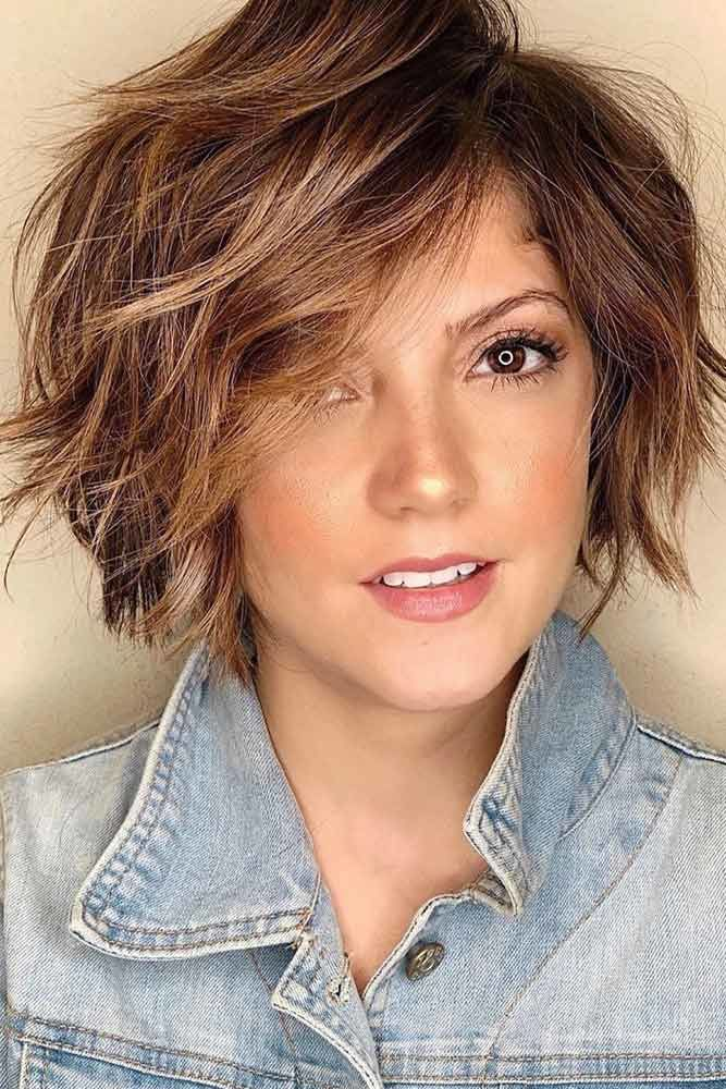Side Swept Feathered Messy Bob #featheredhair #featheredhaircuts #haircuts