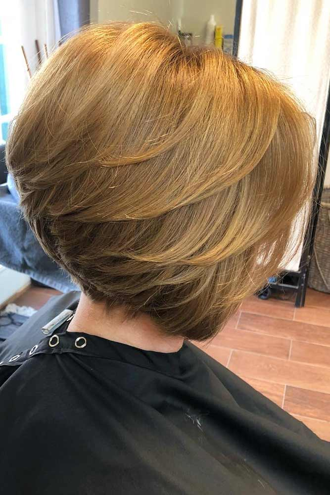 Stacked Short Bob #featheredhair #featheredhaircuts #haircuts #shorthair #bobhaircut