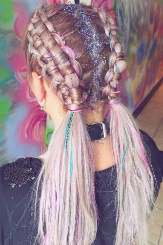Hair Chalk #temporaryhaircolor #highlights