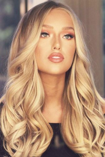 All Over Honey Blonde Coloring #blondehair #honeyblonde