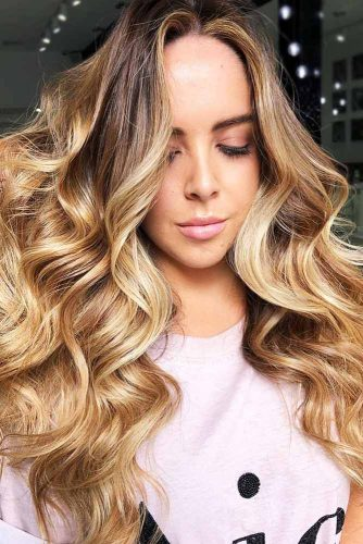 Fresh And Warm Honey Beige Blonde Hair #blondehair #honeyblonde #balayage