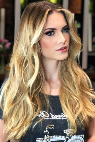 Sun Kissed Honey Blonde Highlights #blondehair #honeyblonde #highlights