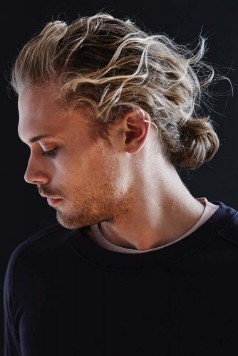 How To Tie A Man Bun #lowbun #manbun #messyhair #blondehair