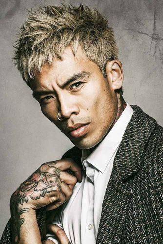 Asian-inspired Spiky Style #asianhairmen #blondehairmen #spikyhair #spikedhair