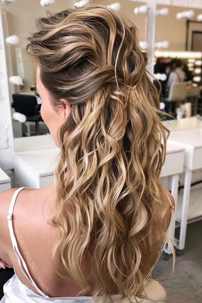 Voluminous Half Updo Hairstyle #wavyhair #hairtypes