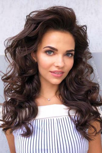 how to style 2c hair best styling tips and products to take care of 2a 2b 2c hair 7321 | all you need to know about 2a 2b 2c hair side parted voluminous long 334x500