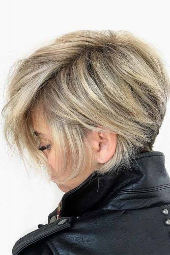 Messy Side Parted Pixie Bob #shortshaghaircuts #shorthaircuts #haircuts #shaghaircuts #pixiebob