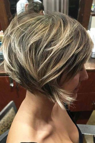 Short Shaggy Bob With Bangs #shortshaghaircuts #shorthaircuts #haircuts #shaghaircuts #bobhaircut