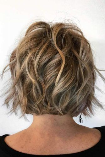 Short Shaggy Bob With Waves #shortshaghaircuts #shorthaircuts #haircuts #shaghaircuts #bobhaircut