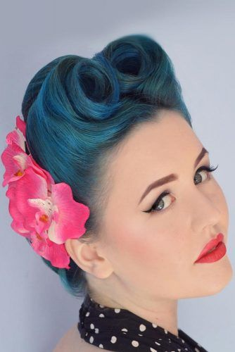 Victory Rolls With Flowers Updo #updo #victoryroll