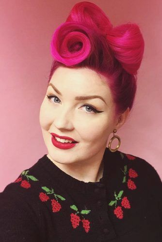Victory Roll Hair Bow #updo #victoryroll