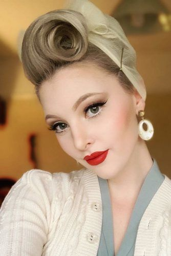 How To Do Victory Rolls #updo #victoryroll