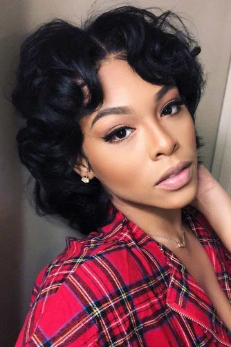 Middle Parted Wavy Bob #bobhairstyles #hairstyles #haircuts #bobhaircuts