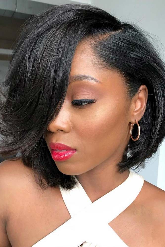 Inverted Short Straight Bob #bobhairstyles #hairstyles #haircuts #bobhaircuts