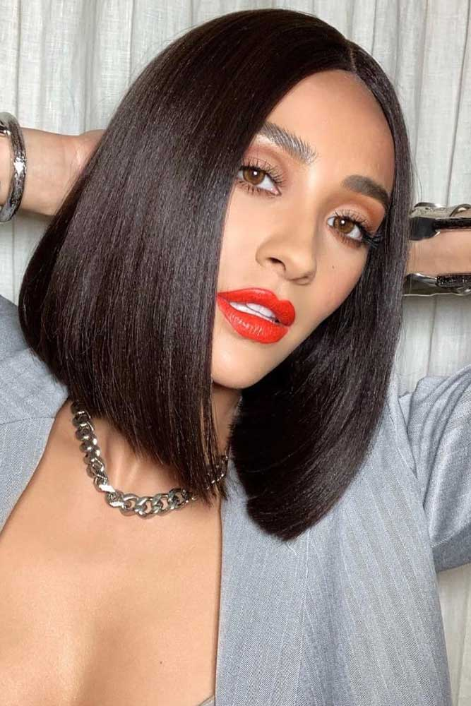 Middle Parted Straight Lob #bobhairstyles #hairstyles #haircuts #bobhaircuts