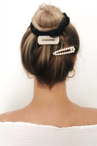 Bun & Hair Clips #updo #scrunchies