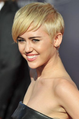 Side Swept Layered Pixie #mileycyrus #shorthair #hairstyles
