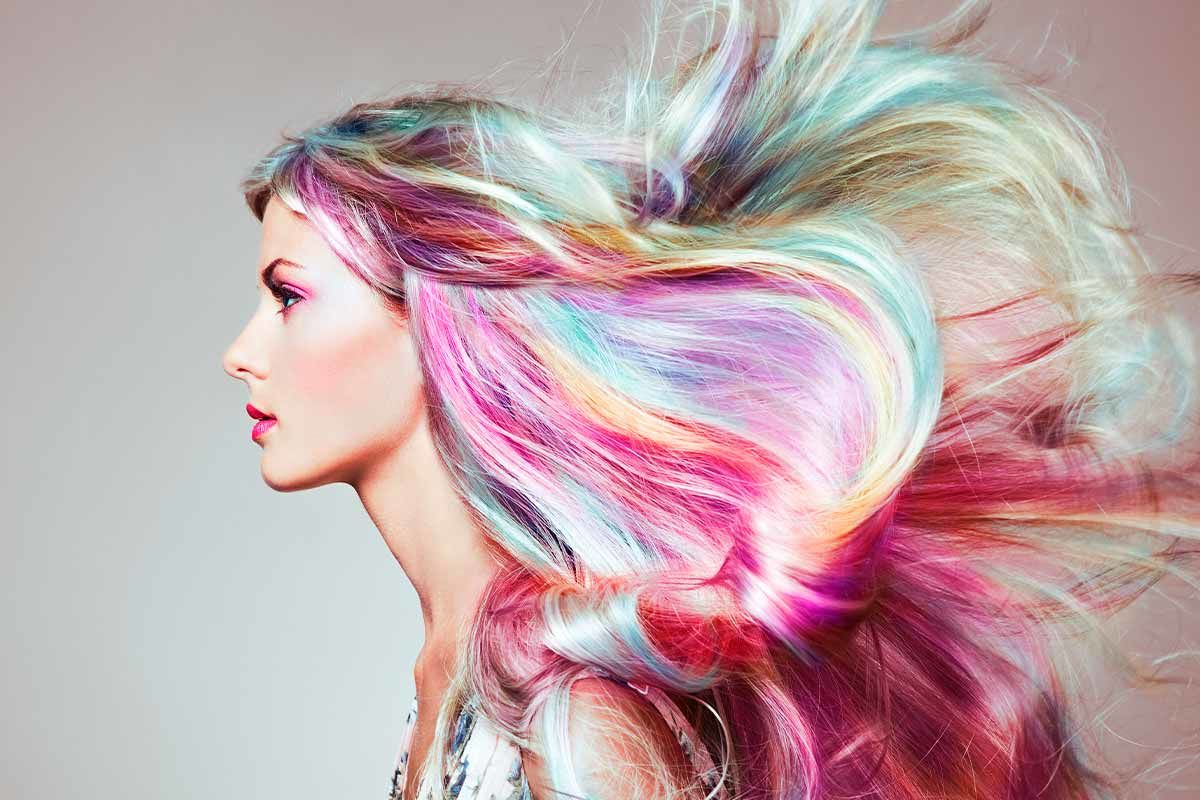 Discover The Chatoyant Dimension Of Holographic Hair - A Mixture of Irresistible Trends Of Now