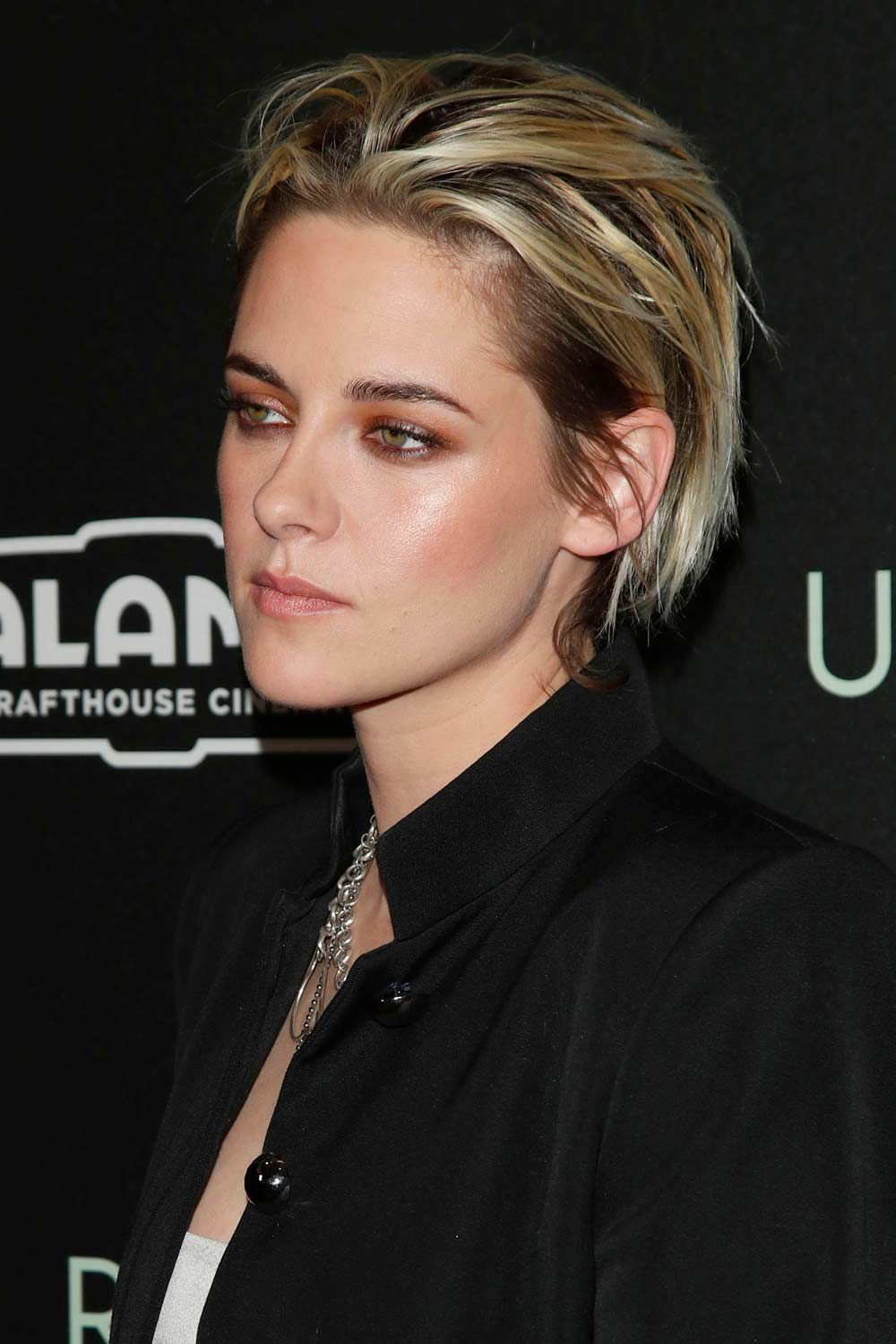 The Androgynous Hairstyles: Kristen Stewart