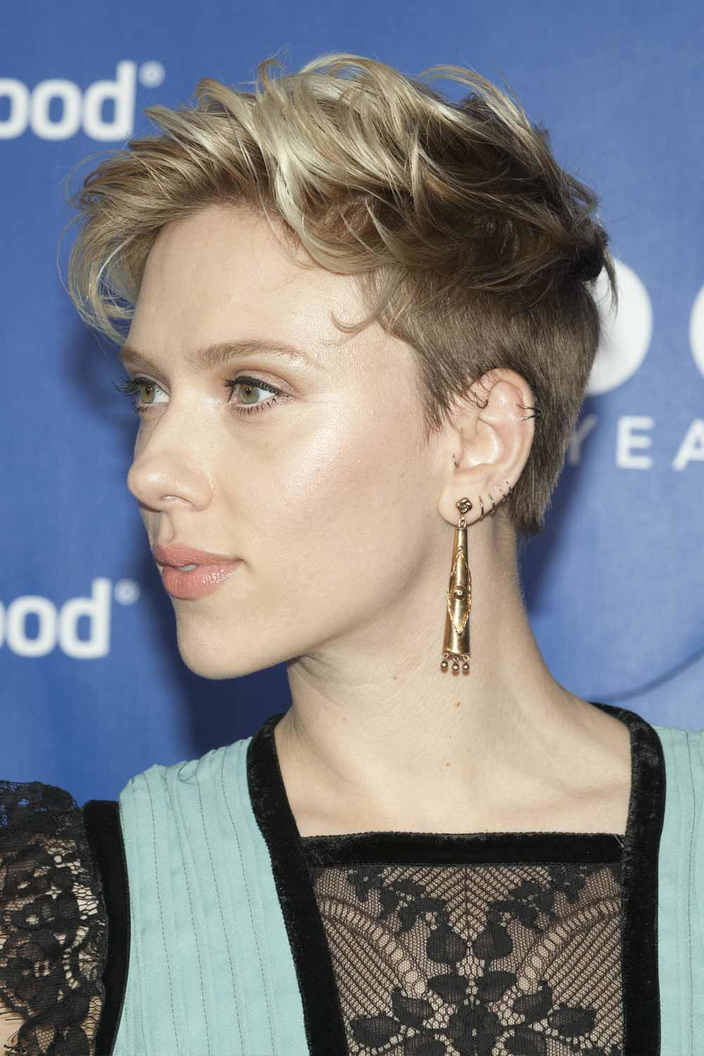 The Androgynous Hairstyles: Scarlett Johansson