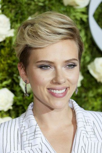 Straight Side Parted Pixie #scarlettjohansson #shorthair #hairstyles