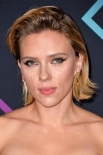 Straight Bob With Flipped Ends #scarlettjohansson #shorthair #hairstyles