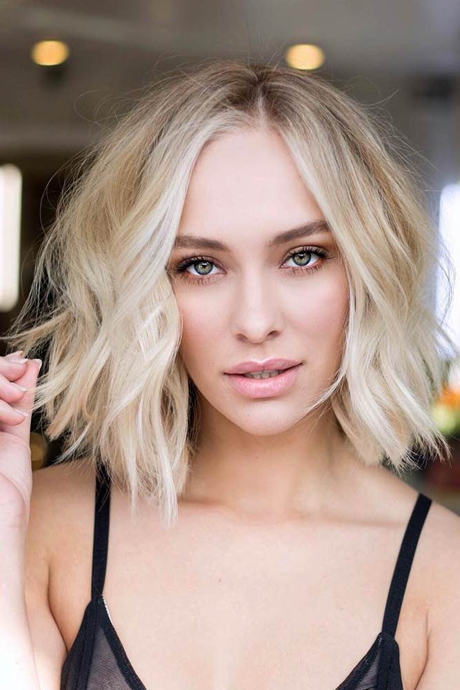Middle Parted & Wavy #choppybob #bobhairstyles #bobhaircuts #hairstyles #haircuts