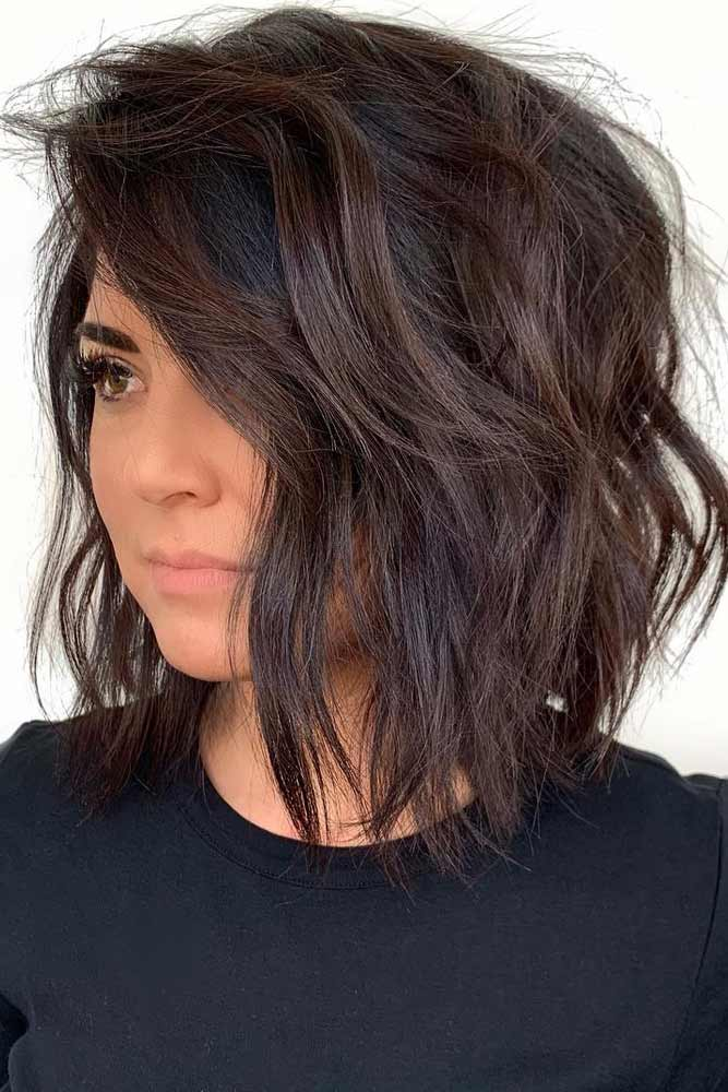 Side Parted Choppy Lob #choppybob #bobhairstyles #bobhaircuts #hairstyles #haircuts