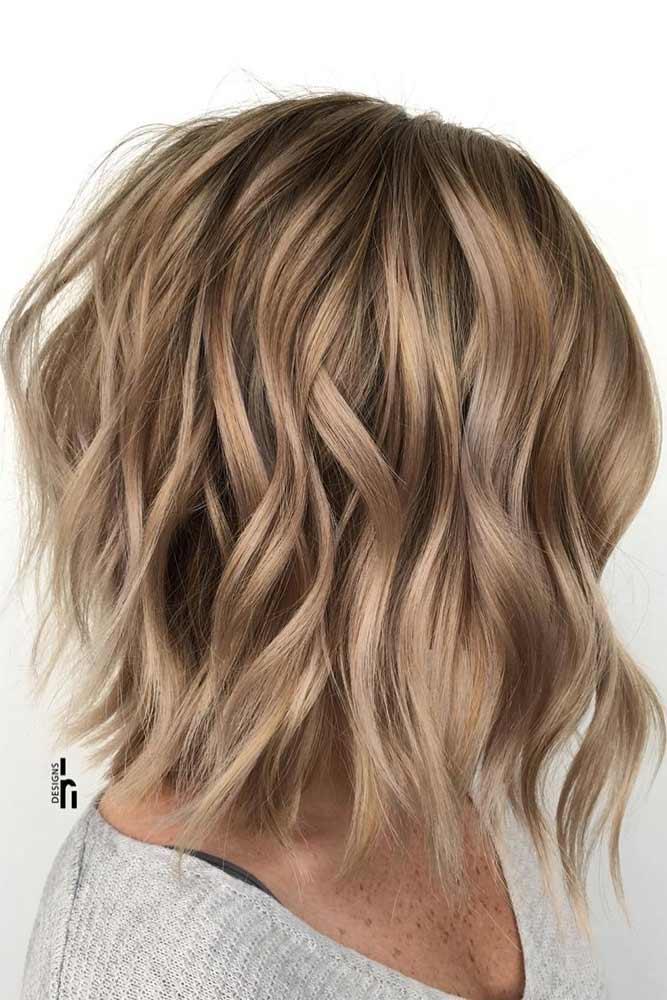 Stacked Wavy Lob #choppybob #bobhairstyles #bobhaircuts #hairstyles #haircuts