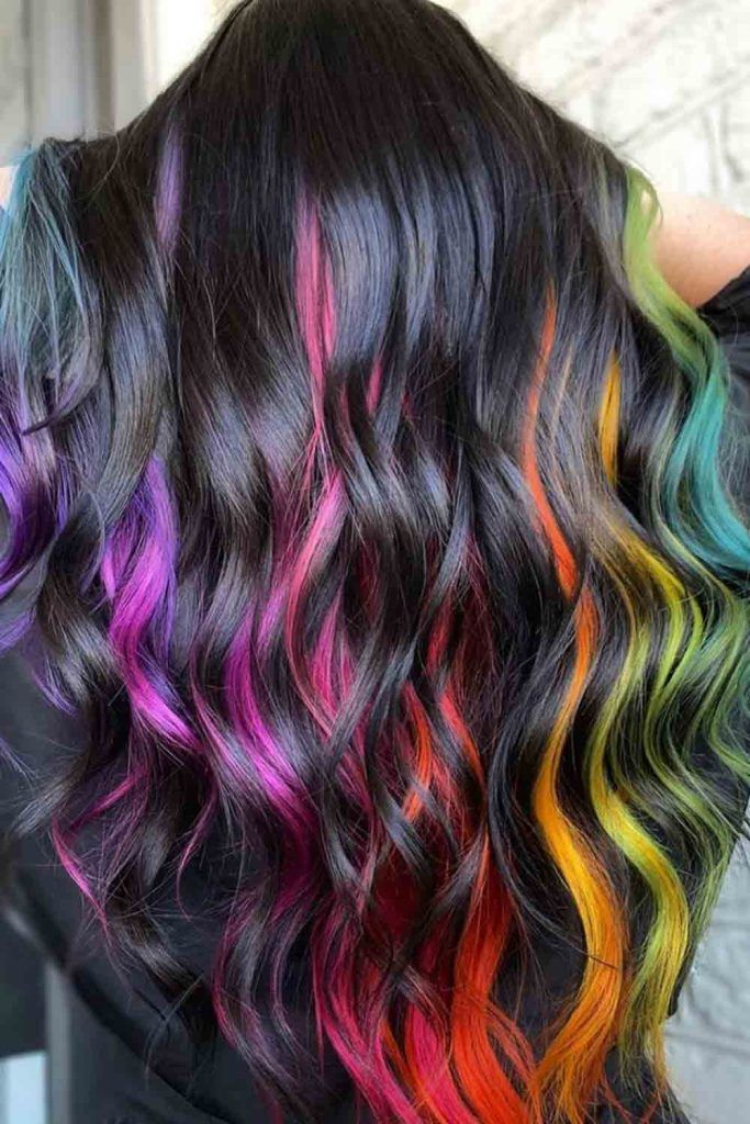 Dark wavy natural hair with rainbow note