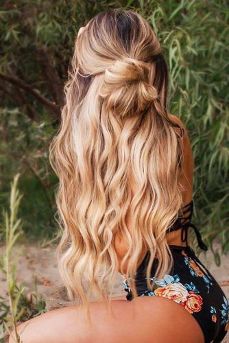 Half-Up Bun Hippie Hairstyles #hippiehairstyles