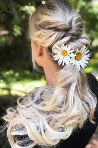 Boho Twisted Pony #hippiehairstyles