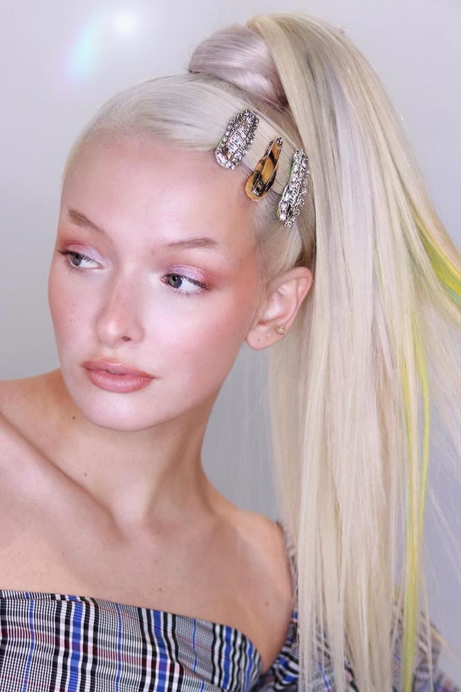 The Revival Of The Hair Clips Trend Types Of Barrettes And Ideas Every Modern Girl Should Know #hairclips #hairaccessories