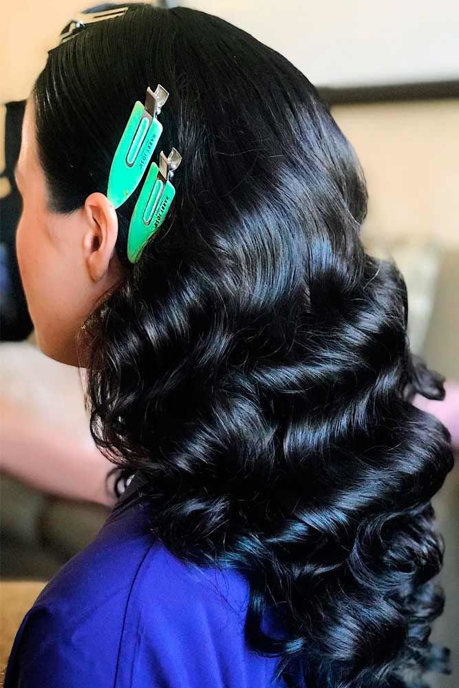 Hair Clips Side Parted Long Wavy Style