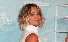 The Top Ever Changing Kaley Cuoco Short Hair Looks From Pixies To Long Waves