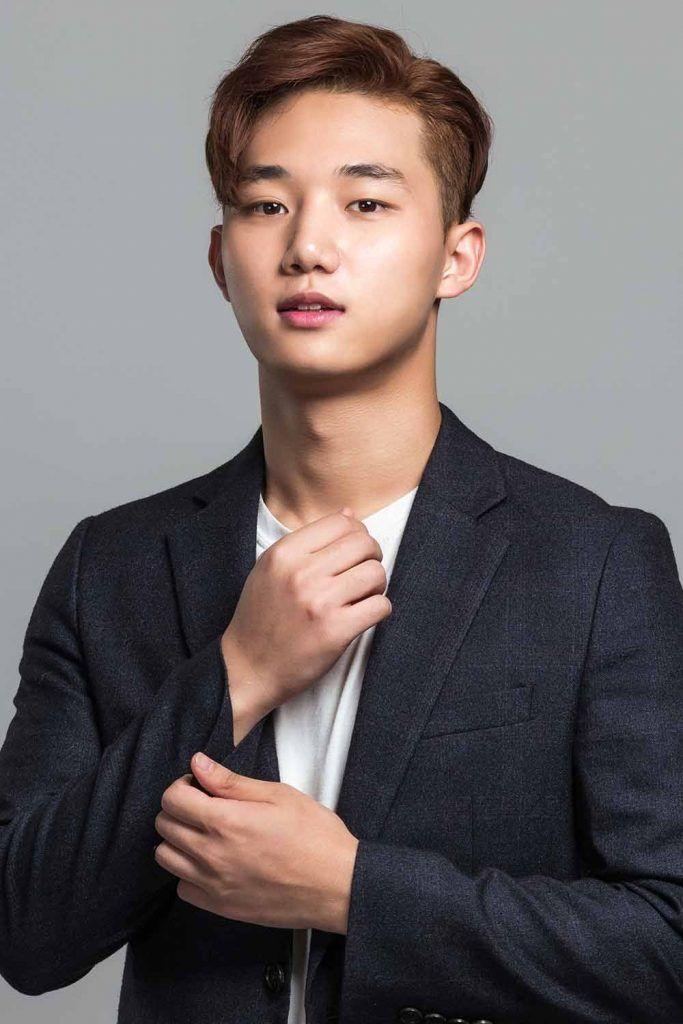 The Classic Korean Men Haircut #koreanmen #koreanhaircuts #koreanhairstyles