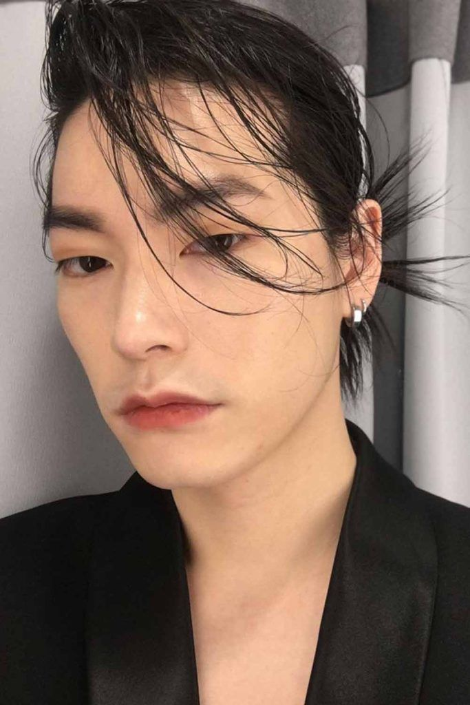 Korean Hairstyle With Long Bangs #koreanmen #koreanhaircuts #koreanhairstyles
