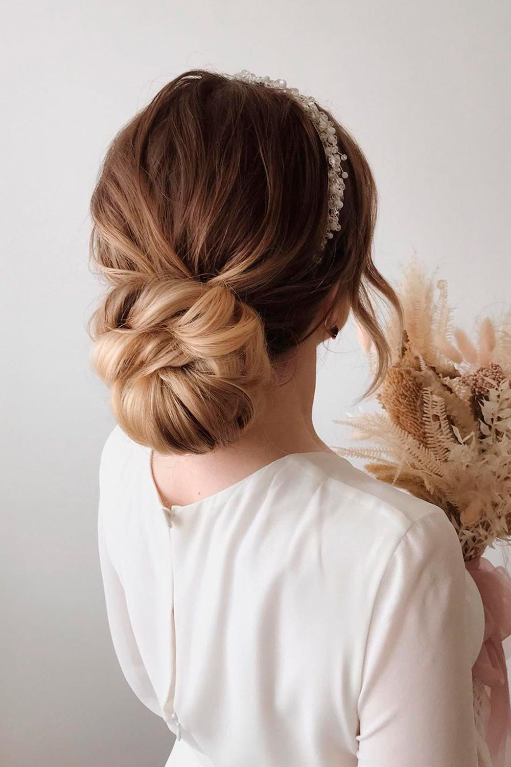 Classic Hairstyle For Wedding