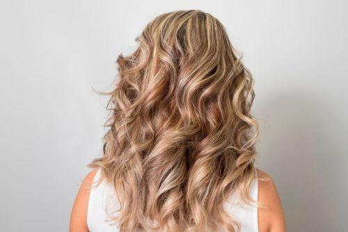 How to Highlight Hair Yourself & Don't Mess It Up — A Colorist-Approved Guide