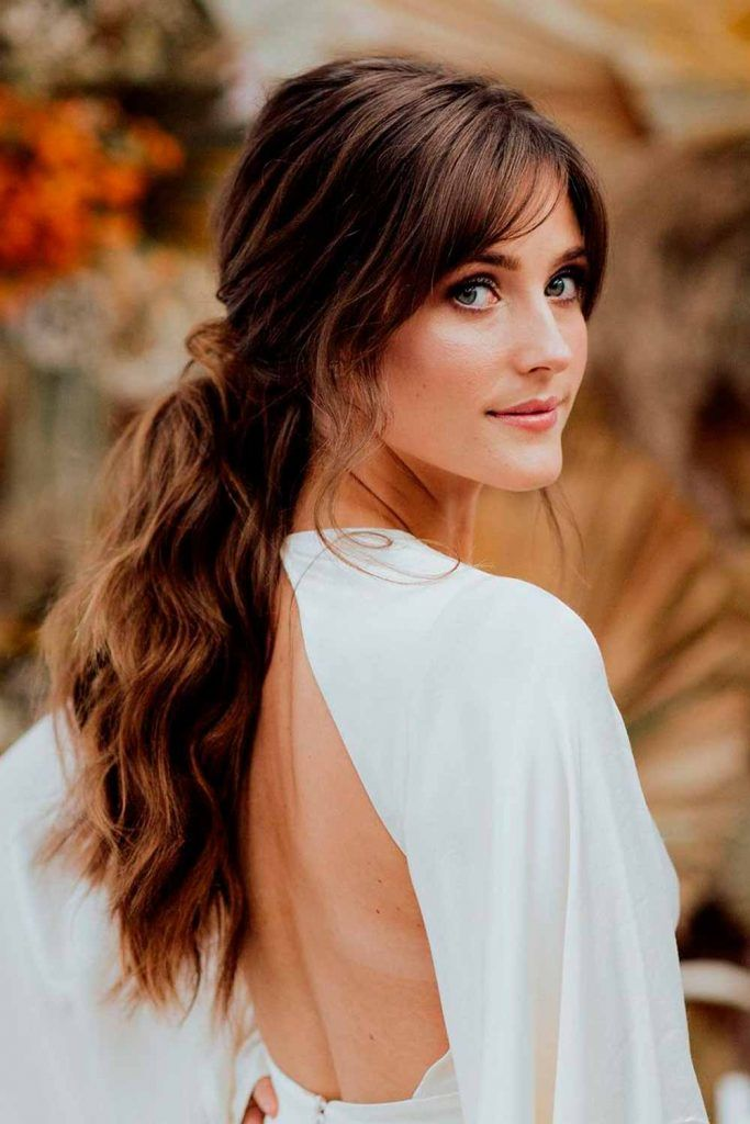 Stylish Long Messy Hairstyles For Diamond Face Shape, haircut for thin hair and diamond shaped face, haircut ideas for diamond shaped face, very long hairstyles for women with diamond face shapes