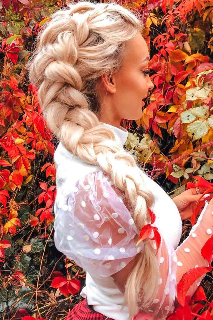 Cute Messy Side Braid Hairstyles For Diamond Face Shape, diamond face shape hair, diamond face shapes hairstyles, very long hairstyles for women with diamond face shapes