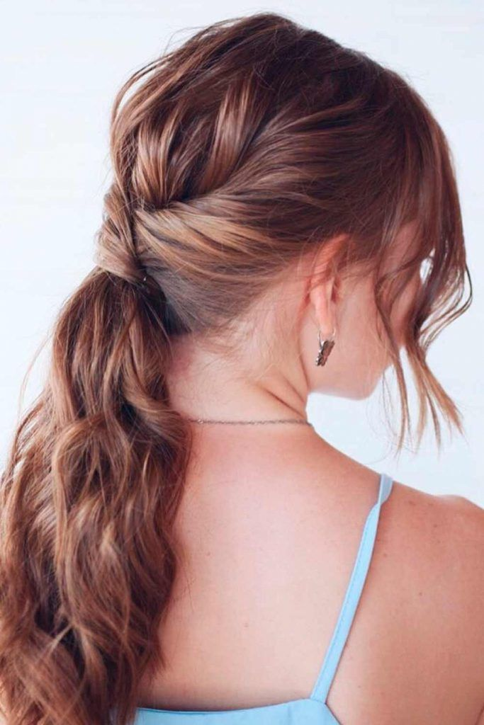 Messy Twisted Braid Into Pony, diamond face shape hair, haircut ideas for diamond shaped face, androgynous hairstyles for heart diamond face shapes