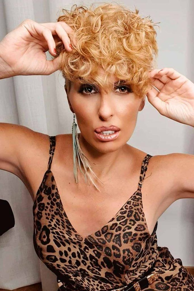Curly Pixie Cut For Beautiful Natural Hair, how to style a curly pixie cut, pixie cut with curly hair, curly long pixie cut